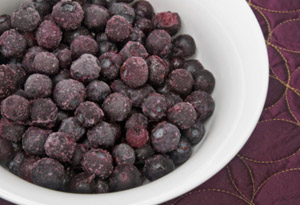 201203-omag-oz-blueberries-300x205