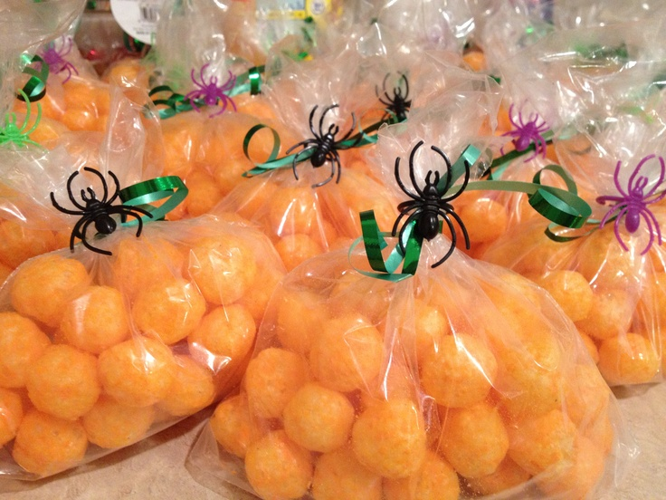 Mom fab fun halloween treat ideas for kid parties for Halloween treats to make with kids